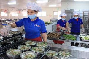 Vì sao thực phẩm 'bẩn' dễ dàng lọt vào các trường học?