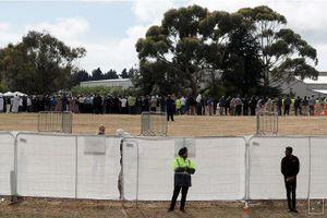 Chôn cất hai nạn nhân đầu tiên của vụ xả súng ở New Zealand