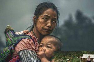 Bức ảnh mẹ con đoạt giải gần 3 tỷ đồng bị nghi dàn dựng: Sự thật trần trụi và chiến thắng 'ăn may'