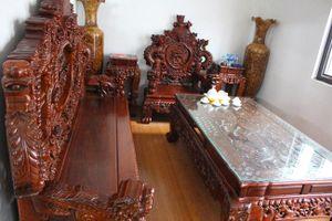 Chiêm ngưỡng bộ bàn ghế tiền tỷ của đại gia Hà Nội