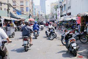 Người Sài Gòn tiếc nuối khi khu chợ cũ sắp sửa giải tỏa: 'Cô đã buôn gánh bán bưng nơi này gần 40 năm rồi!'