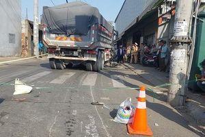Sài Gòn: Bị kéo lê 5 mét, mắc kẹt dưới gầm xe ben, người đàn ông tử vong tại chỗ