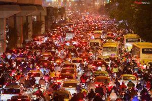 Hà Nội tiếp tục nghiên cứu cấm xe máy theo giờ trên 6 tuyến phố