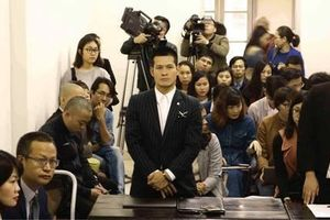 Đạo diễn Việt Tú thắng kiện 'chúa đảo' Tuần Châu