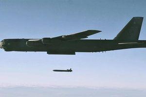 B-52H nhận đòn đau nếu phạm sai lầm khi bay gần Nga