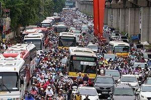 Hà Nội muốn cấm xe máy theo giờ: Dẫu sức Phù Đổng...