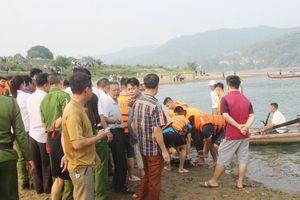Chia buồn với gia đình các em nhỏ bị đuối nước ở Hòa Bình