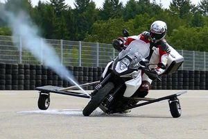 Siêu mô tô đầu tiên vừa có thể chạy, vừa có thể bay