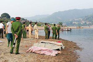 8 học sinh Hòa Bình chết đuối thương tâm ở sông Đà