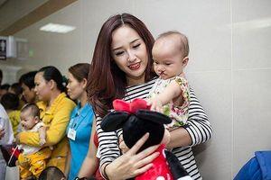 Showbiz 21/3: Mai Phương Thúy chuyển khoản 700 triệu đồng làm từ thiện