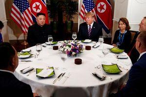 Người phụ nữ bí ẩn trong bếp nấu tiệc cho ông Trump và Kim Jong-un