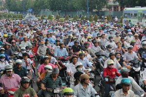 Cấm xe máy, người Hà Nội đi lại bằng phương tiện gì?