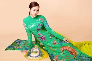 Á hậu 'siêu vòng 3' diện áo dài lấy cảm hứng từ môi trường, biển đảo