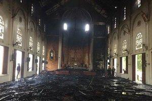 Một nhà thờ bị cháy rụi tại Hà Tĩnh sau khi bà 'Hỏa' ghé thăm