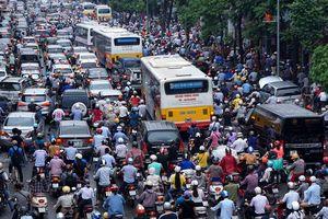 Cấm xe máy theo giờ trên phố: Có kịp lộ trình?