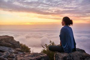 Buồn bã, cô đơn – Cuộc đời có đáng để cho bạn ''nghịch'' như thế không?