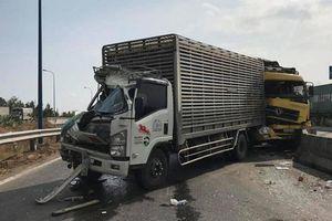 Tai nạn liên hoàn giữa 3 xe tải, 1 người bị thương