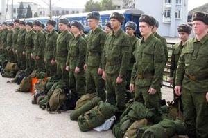 Nga khoe nhiều vũ khí mới, 1/3 binh sĩ 'thiếu chuyên nghiệp'
