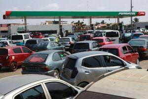 Angola tê liệt vì thiếu nhiên liệu