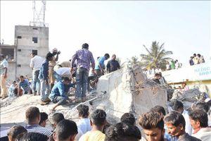 Ấn Độ cứu thêm một người bị mắc kẹt hơn 62 giờ dưới tòa nhà bị sập