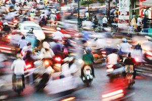 Cấm xe máy: Tội gì không cấm!?