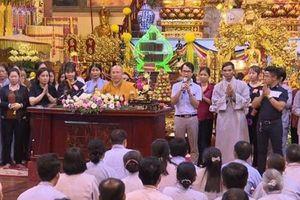 Bác sĩ khuyên người dân lên Ba Vàng chữa bệnh: Trụ trì chùa gọi nên 'không thể không lên'