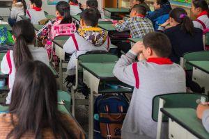 Giáo viên bị đình chỉ công tác vì bắt học sinh tự tát vào mặt