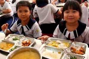 Giám sát bữa ăn học đường: Phụ huynh vào cuộc