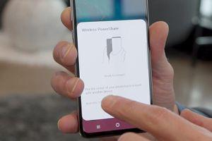 iPhone mới có thể sạc không dây cho thiết bị khác