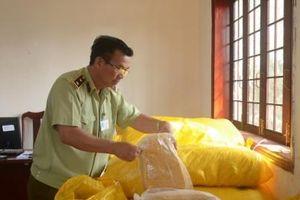 Phát hiện hơn 1 tấn ruốc thịt gà không nhãn hàng hóa