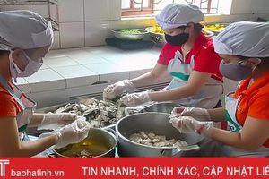 Quy trình chuẩn bị bữa trưa bán trú tại một trường mầm non ở Hà Tĩnh