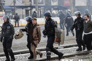 Pháp: Không xảy ra bạo loạn trong cuộc biểu tình 'Áo vàng' tại Paris