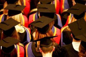 Các trường đại học Anh sẽ bị phạt vì trao quá nhiều bằng cấp loại giỏi