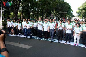 Hơn 8000 người tham dự chạy giải Báo Hà Nội mới mở rộng lần thứ 46