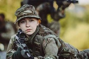 Nữ quân nhân Anh đầu tiên trở thành chỉ huy lính bộ binh