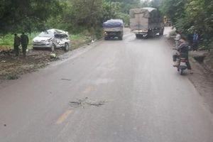 Xe tải tông ô tô 7 chỗ làm 6 người thương vong