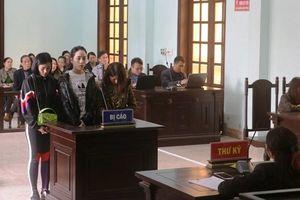 Vụ đánh ghen lột đồ, đổ mắm ớt ở Thanh Hóa: Tòa tuyên án với 3 bị cáo