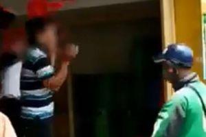 Clip: 3 tài xế Grab quây đánh và bắt nam thanh niên khoanh tay xin lỗi
