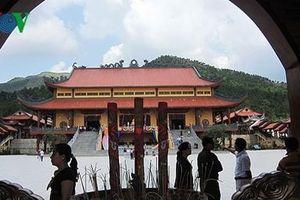 Sáng nay (26/3), Uông Bí tổ chức họp báo vụ 'thỉnh vong' ở chùa Ba Vàng
