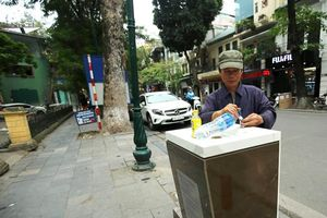 Thích thú với trụ nước sạch uống liền miễn phí ở Hà Nội