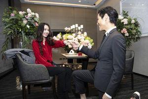 Quý tử của ông trùm Hướng Hoa Cường quỳ khi cầu hôn 'tình cũ Seungri'