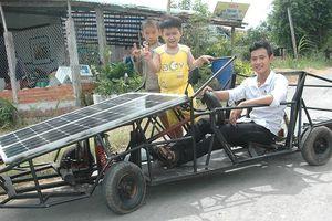 Học trò chế tạo ôtô năng lượng mặt trời