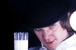 Vì sao các nhân vật phản diện thường uống sữa trong phim?
