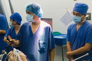 Lần đầu tiên, Việt Nam làm chủ phương pháp mổ u não thức tỉnh
