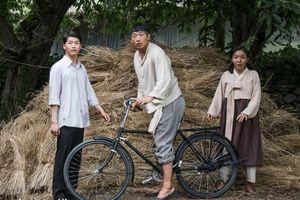 Không khoe 6 múi, Bi Rain vẫn khiến khán giả phát cuồng với 'Ông hoàng đường đua: Um Bok Dong'