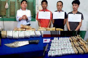 Bắt 4 người Lào vận chuyển 110.000 viên ma túy tổng hợp