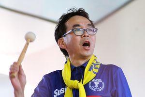 Giám đốc thích làm CĐV, tốn hàng trăm triệu đi cổ vũ tuyển Thái Lan