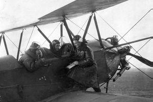 Nữ phi công Liên Xô khiến Hitler 'kinh hồn bạt vía' thế nào?