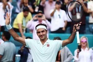 Roger Federer 'tốc hành' vào tứ kết Miami Open