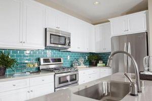 8 sai lầm tẩy rửa khiến nhà bếp đã dầu mỡ càng thêm bẩn